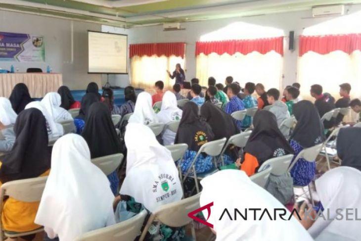 KNPI HSS gelar workshop kehumasan dan media massa