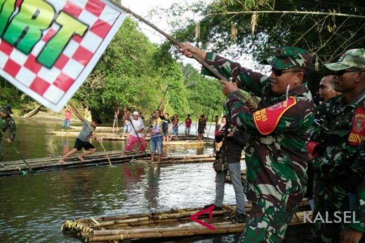 17 regu ikuti lomba bamboo rafting  TMMD Kodim Kandangan