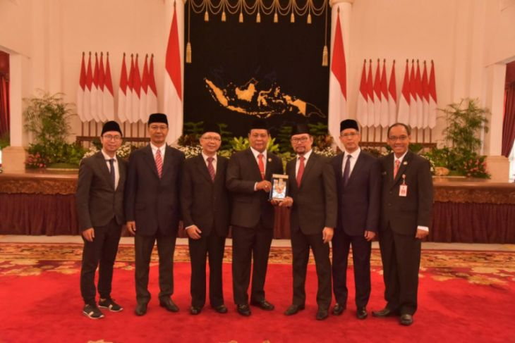 South Kalimantan citizens proud of PM Noor as national hero