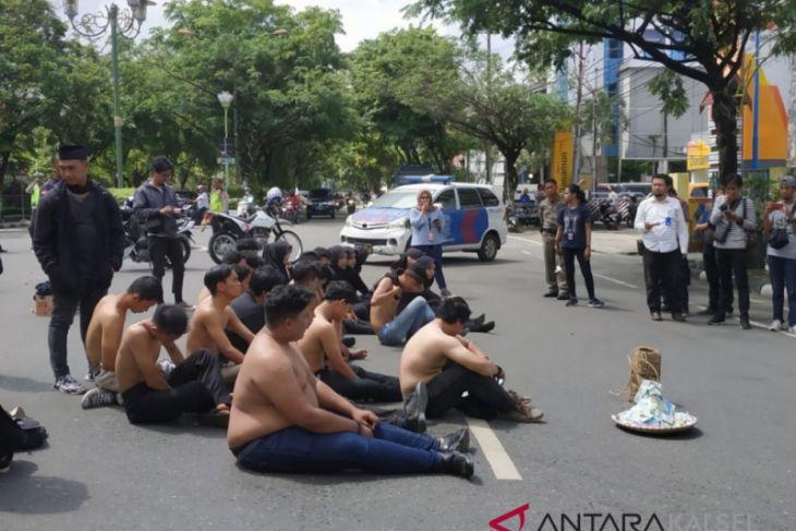 Mahasiswa Banjarmasin protes pajak pergelaran kesenian