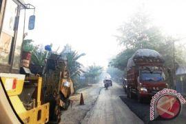 Warga keluhkan jalan utama Penajam rawan kecelakaan