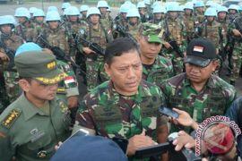 Komandan PMPP Tinjau Prajurit Berangkat ke Darfur