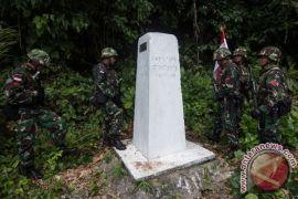 Prajurit Indonesia-Malaysia patroli cegah tindakan ilegal