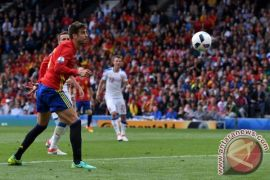 Gol Tunggal Pique Bawa Spanyol Atasi Ceko