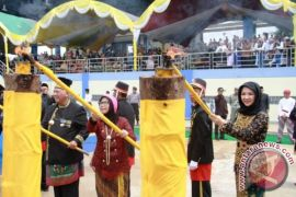 Kirab Budaya Tandai Pembukaan Erau Adat Kutai