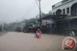 Jalur Samarinda-Bontang Lumpuh Akibat Banjir