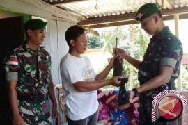 Seorang Petani Nunukan Serahkan Sukarela Pistol Rakitan
