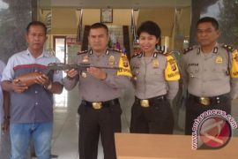 Polisi Penajam Dalami Penemuan Senjata Api Rakitan