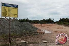 Pengerjaan proyek jalan pesisir pantai Penajam dihentikan