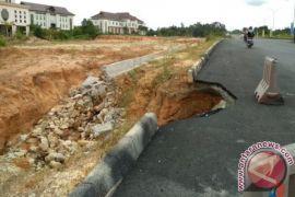 Pengawasan Pengerjaan Proyek Jalan di Penajam Lemah