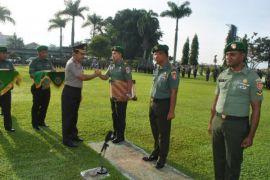 BNN beri penghargaan dua prajurit TNI dan purnawirawan