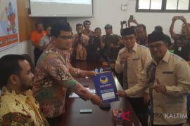 Didampingi Hasdam, Wali Kota Rizal Effendi resmi daftar cawagub