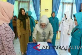 Hj Mutiarni Lantik Ketua TP PKK Kecamatan