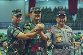 Military, police chiefs reaffirm TNI, police neutrality