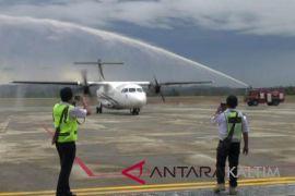 Pendaratan perdana Xpress Air tandai beroperasinya Bandara APT Pranoto