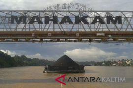 Pemprov batasi muatan kendaraan melintasi jembatan Mahakam