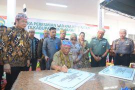 Gubernur resmikan empat fasilitas kesehatan di Mahakam Ulu