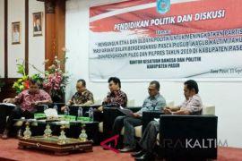 Kesbangpol Paser gelar seminar pendidikan politik