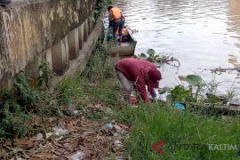 Pecinta lingkungan ajak warga jaga sungai