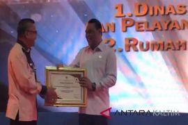 DPMPTSP Kota Samarinda Dapat Penghargaan Pelayanan Prima