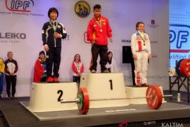Lifter putri Kaltim raih emas kejuaraan dunia