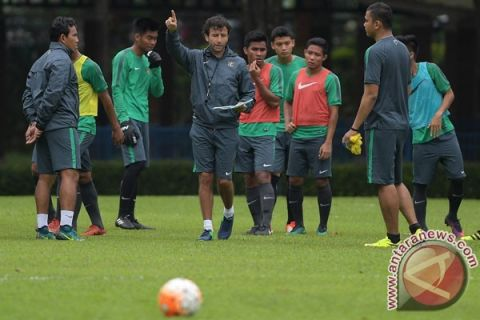 Mantan Pemain Timnas Ikuti Kursus Kepelatihan AFC