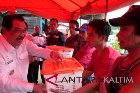 Bupati Paser serahkan bantuan korban kebakaran