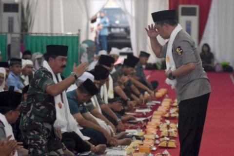 Safari Ramadhan Panglima TNI dan Kapolri