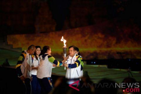 Menlu Retno pembawa pertama obor Asian Games di Yogyakarta