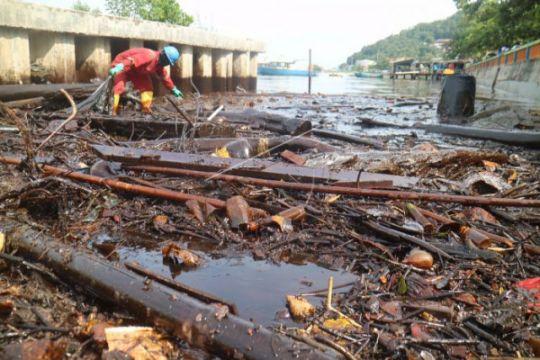 Pertamina Tanggulangi Pencemaran Minyak