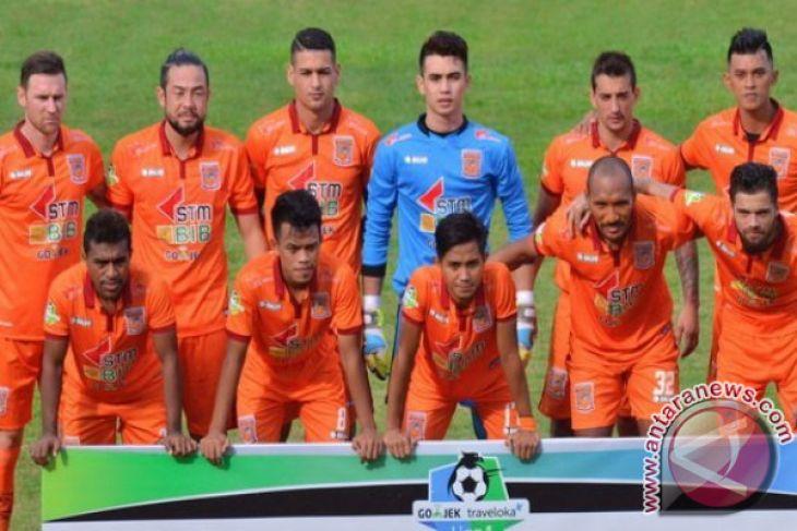 Borneo bawa 20 pemain ke Surabaya