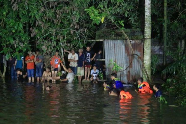 Siswa Samarinda Terseret Arus Sungai Belum Ditemukan