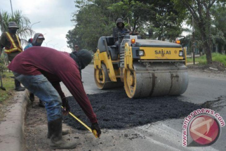 Perbaikan jalan nasional di Penajam mulai dilaksanakan