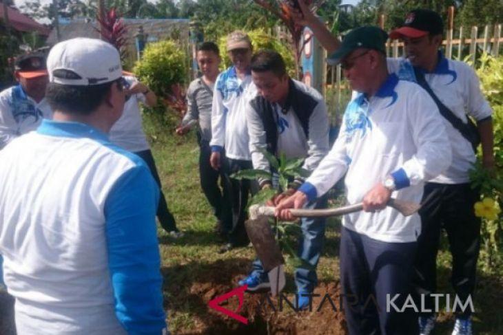 KPU Paser tanam 50 pohon demokrasi
