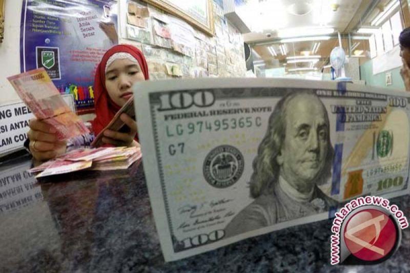 Dolar AS Tertekan Karena Ekonomi Global Melambat