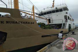 Dua Kapal Tol Laut Layani Teluk Wondama