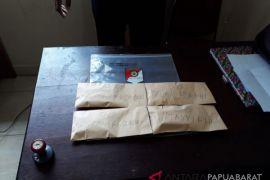 Polres Wondama Sita 21 Paket Ganja, Lima Pemuda Diringkus