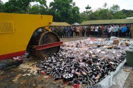 Ribuan Liter Miras Dimusnahkan, Papua Barat Menjadi Sasaran Perdagangan