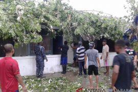 Warga Manokwari diimbau waspadai angin kencang