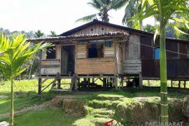 Warga Nikiwar, Wondama butuh rumah layak huni