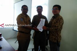 Gubernur Papua Barat rekomendasikan penggunaan semen Manokwari