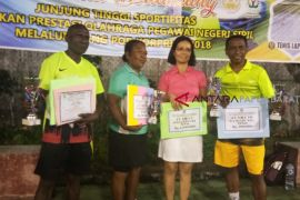 Tim Tenis Wondama rebut empat tropi juara