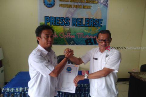Tujuh personil BNN Papua Barat terima penghargaan