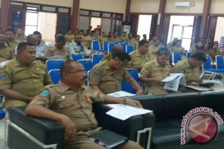 Bupati Teluk Wondama evaluasi kinerja pimpinan OPD