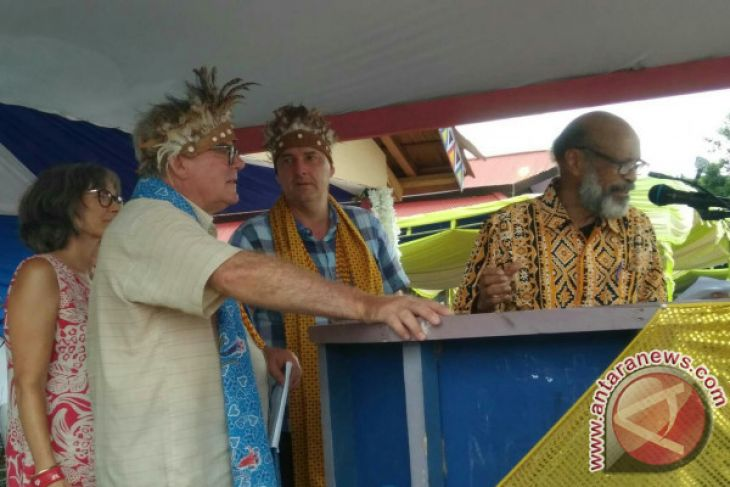 Cicit Ottow-Geisler Beri Kesaksian di Pulau Mansinam
