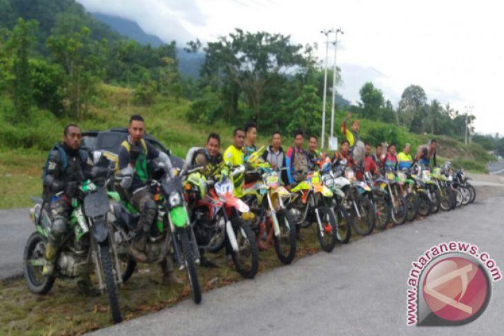 Komunitas Trail Jajaki Jalan Trans Manokwari-Wasior