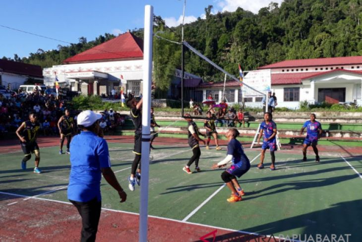 Putra Suabers Juarai Turnamen Volly HUT Wondama