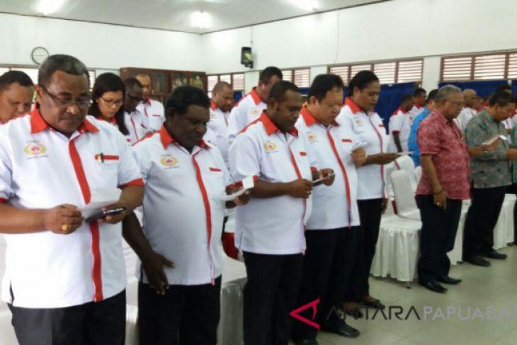 Gubernur Lantik Pengurus Koni Tiga Daerah