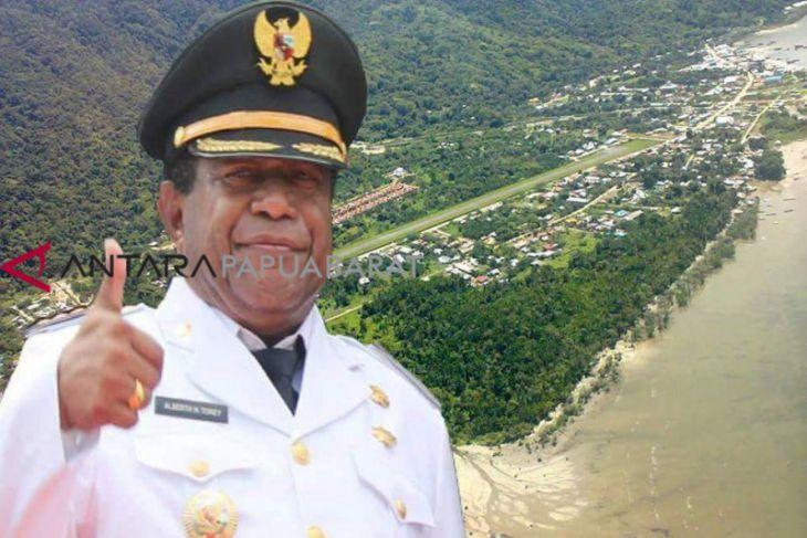 Bupati Pertama Teluk Wondama tutup usia