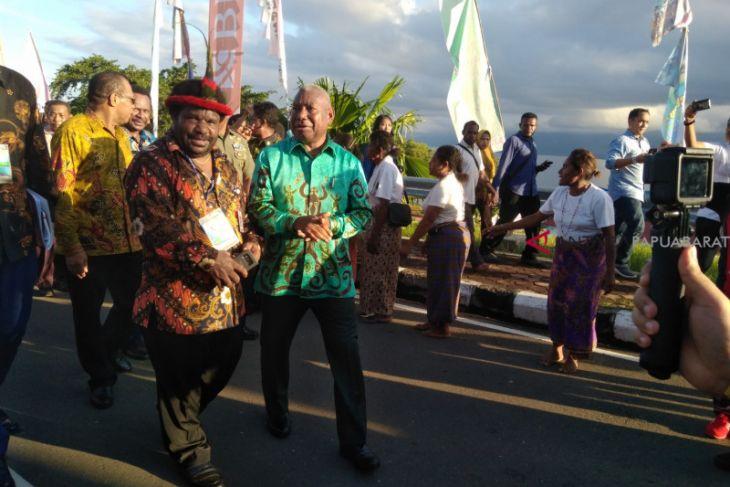 Papua Barat dukung moratorium sawit dan tambang